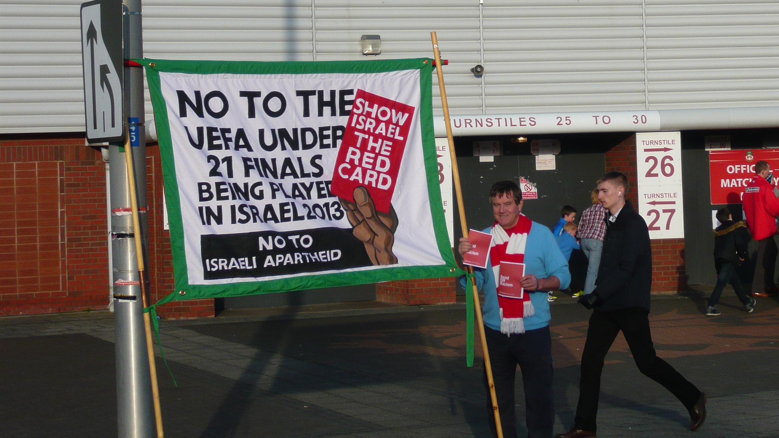 UK FOOTBALL FANS SHOW ISRAEL THE RED CARD FOR RACISM