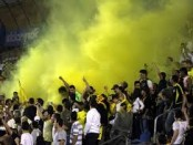 Beitar fans with flares