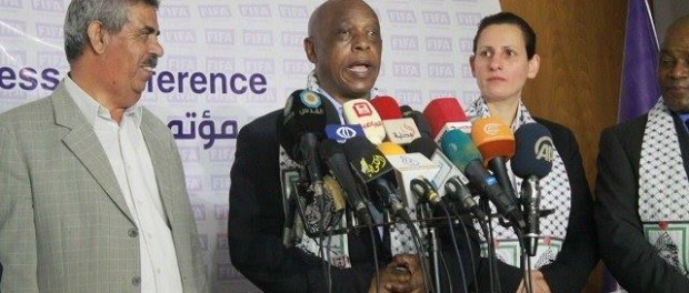 "Sexwale's visit to Israel ""stumbles"""