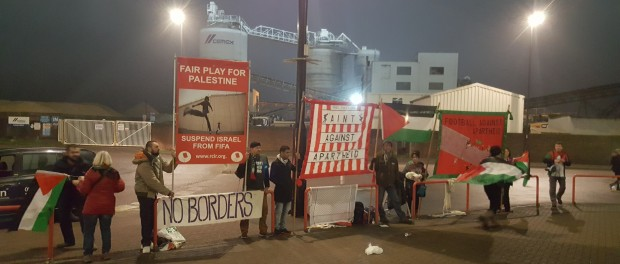 Demonstrators challenge Hapoel Be'er Sheva playing in Southampton